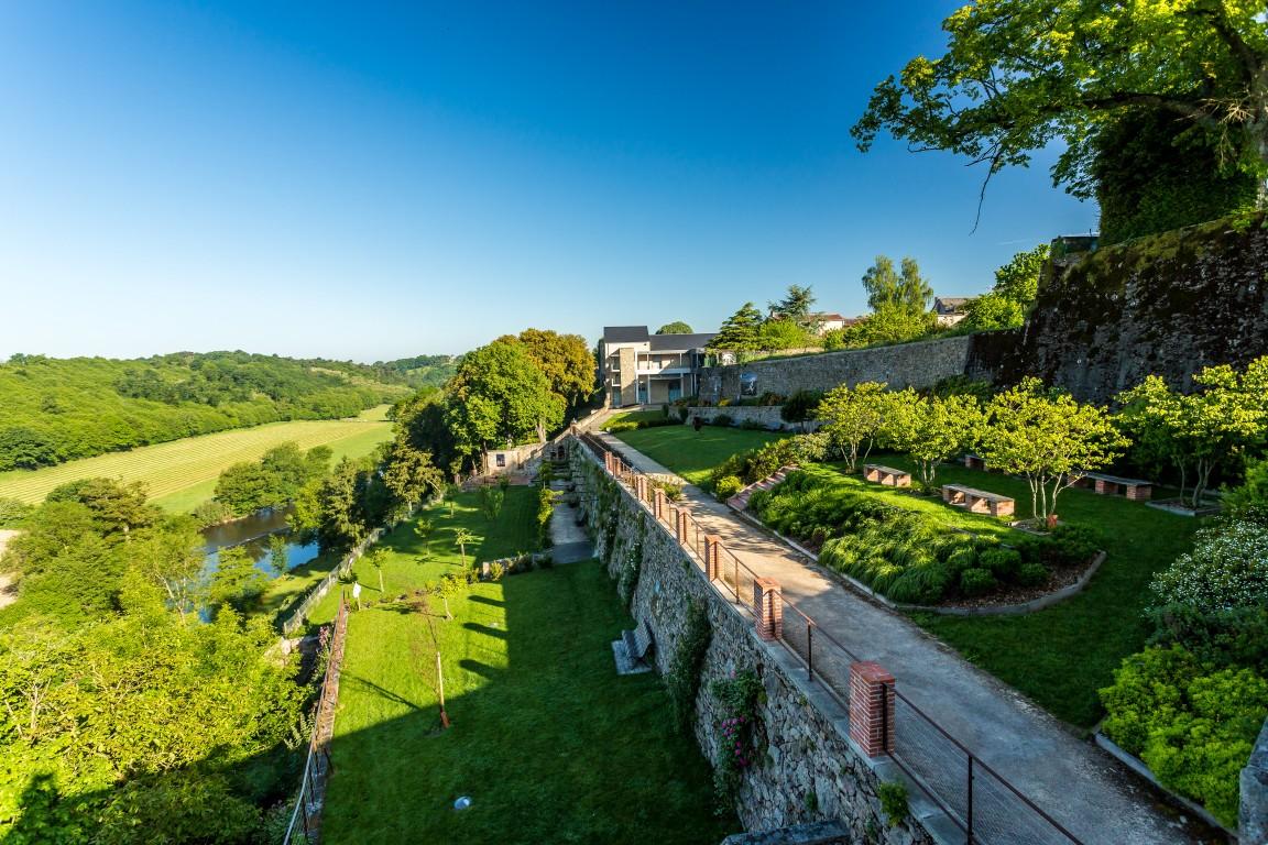 JARDINS DE LA CURE, jardin en pays de la Loire situé à MORTAGNE-SUR ...