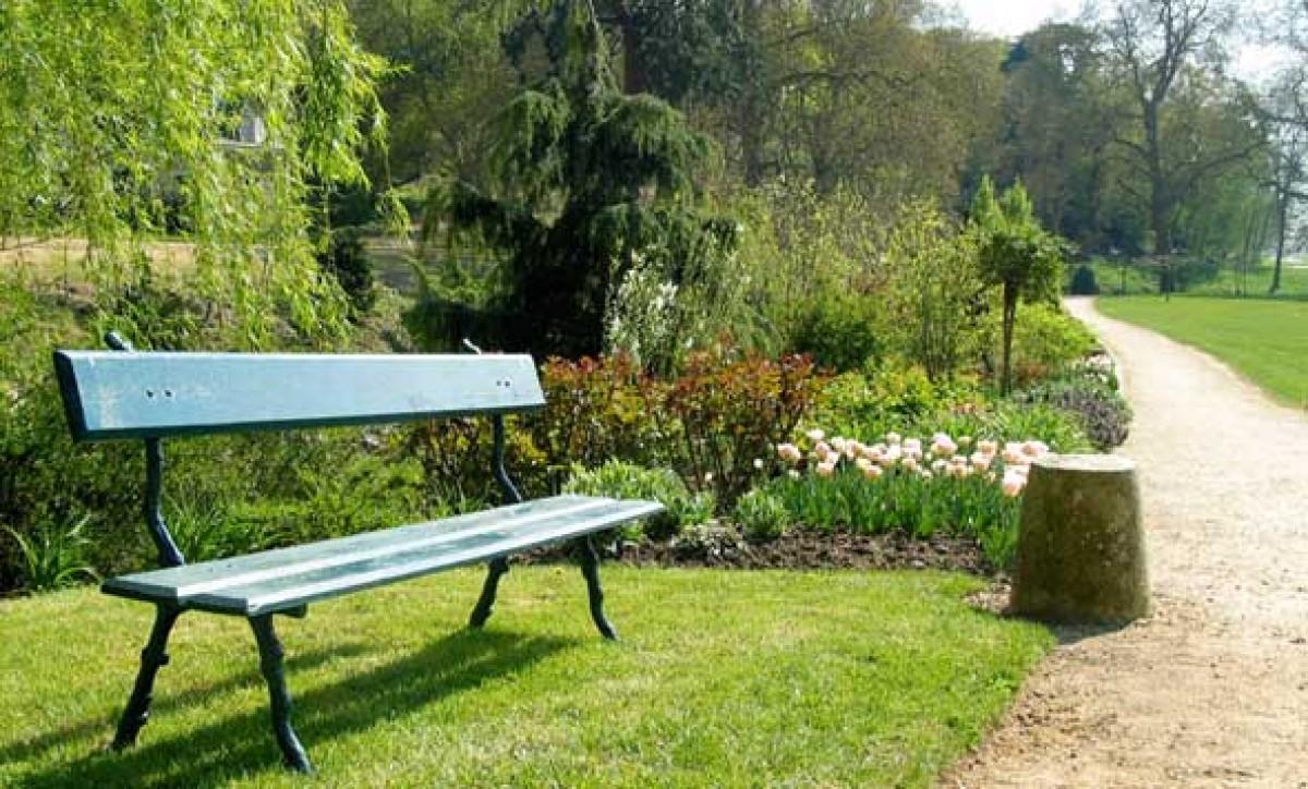 ch teau de brissac jardin en pays de la loire situ brissac quinc en maine et loire 49. Black Bedroom Furniture Sets. Home Design Ideas