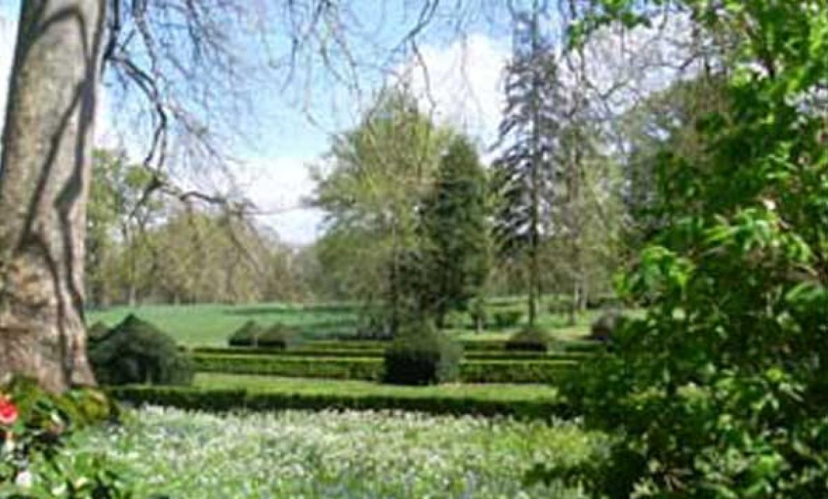 parc et jardins du ch teau de montriou jardin en pays de la loire situ feneu en maine et. Black Bedroom Furniture Sets. Home Design Ideas