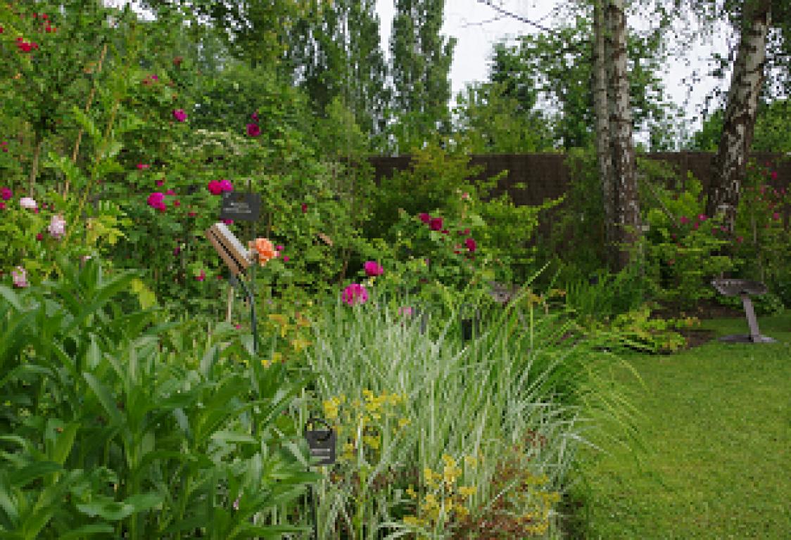 Fontaine blineau jardin en pays de la loire situ saint for Entretien jardin sarthe